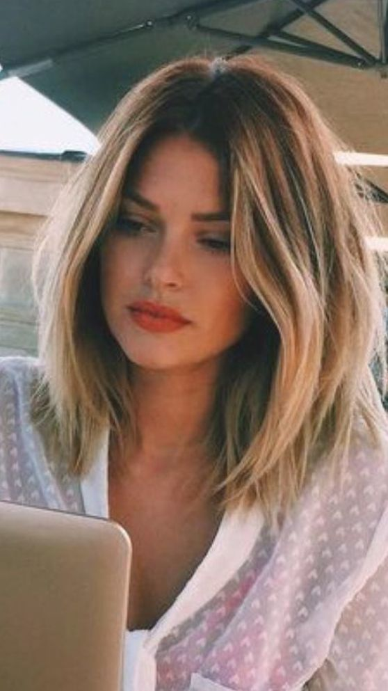 Popular Hairstyles For Women You Need To Wear These Days Page 18 Of 24 Hairstyle Days Hairstyle Hairst In 2020 Hair Styles Long Hair Styles Medium Hair Styles