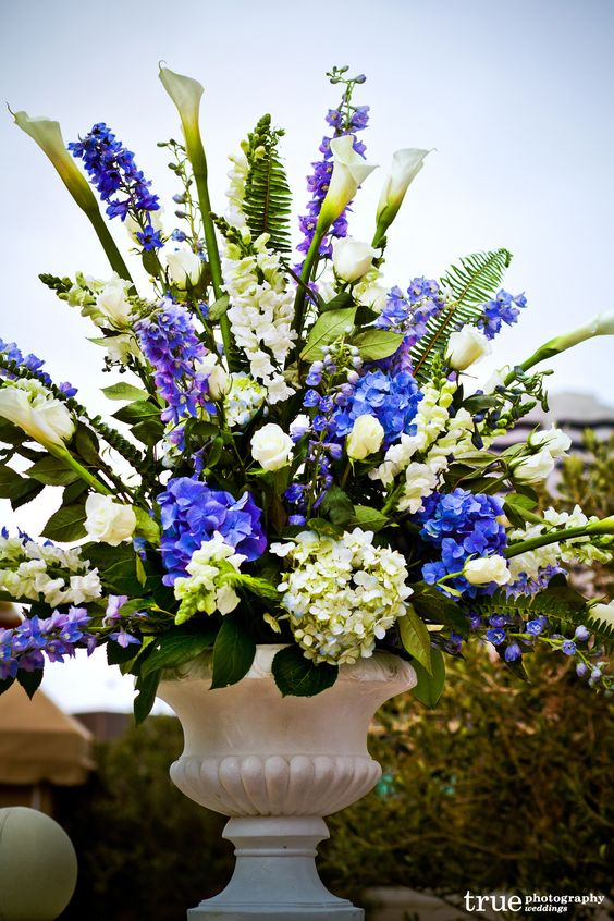 Blue flower wedding centerpieces delphinium