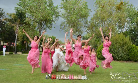 La novia en sesión con sus damas