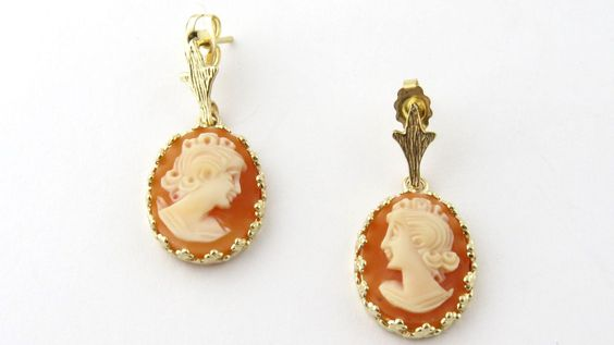 Vintage 14K Yellow Gold Dangling Oval Cameo Post Earrings
