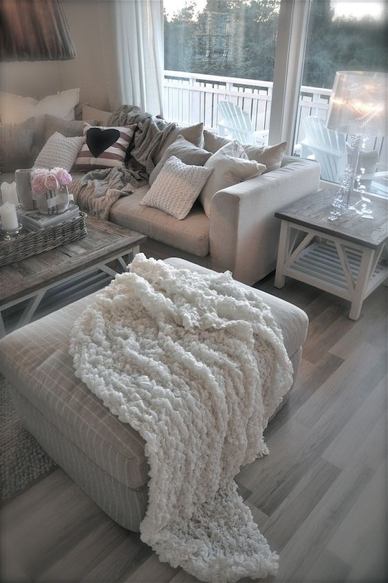 Nice and cosy, all ready for the winter. We love a lazy day on the sofa!