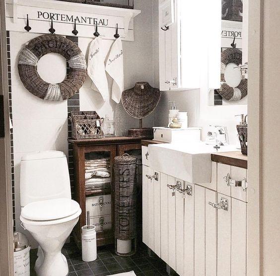 Bathroom RM: