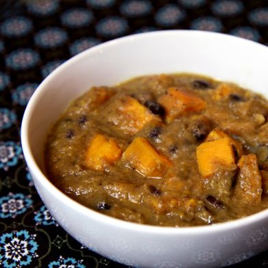 Winter Warm-Up: Black and White Bean Soup With Sweet Potatoes: White Beans, 300 Calorie, Black Beans, Black And White, Sweet Potato Soup, Healthy Recipe, Sweet Potatoes, White Bean Soup