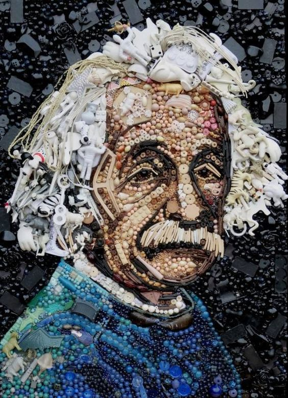 British artist Jane Perkins makes these portraits from salvage : Buttons, Pearls, clothespins, broken toys, Lego figurines which are transformed into familiar faces! #creativity #recycling art! #AlbertEinstein