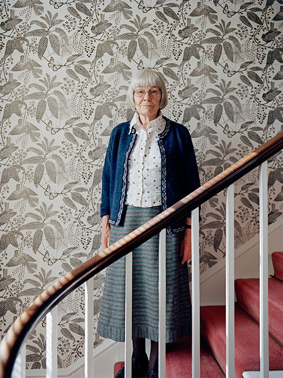 If you're part of the interior design world chances are you're aware of the brilliant work ofMarthe Armitage. Born in 1930 in England, the talented octogenarian designs and prints the loveliest wallpapers you ever did see. She first learned about linocut prints in India, where she lived for two years. Today, in her Chiswick studio, …