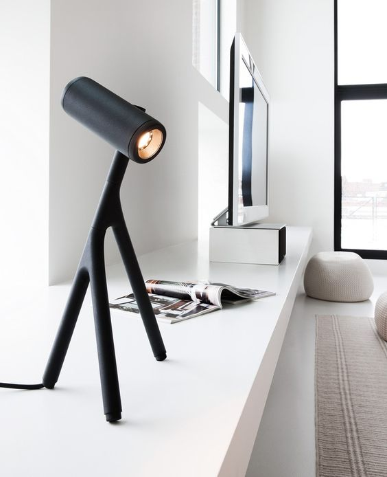 """formationdesign: """" http://www.contemporist.com/2015/02/04/this-desk-lamp-is-inspired-by-stick-insects/ """""""