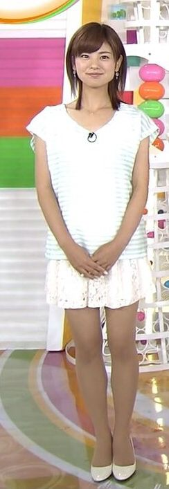 曽田麻衣子ミニスカートで元気な姿