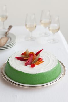Torta tradizionale siciliana a base di ricotta e frutta candita, la cassata è la…