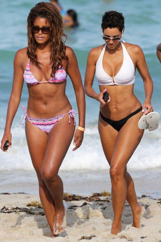 CLAUDIA-JORDAN-and-NICOLE-MITCHELL-in-Bikinis-at-a-Beach-in-Miami-11.jpg (1000×1504)