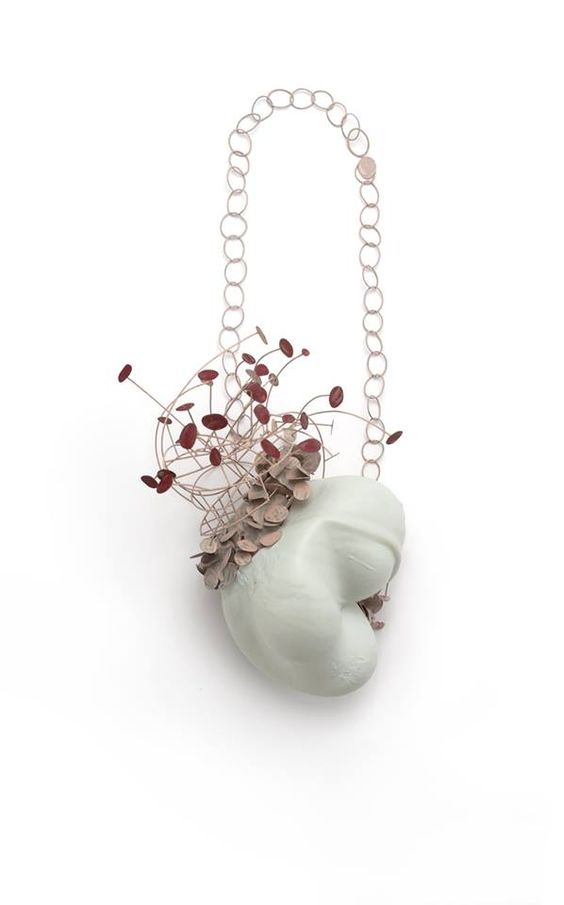 Gabriela Cohn - Bornn - Necklace - Porcelain - Silver - Alpaca - 22 x 14 x 35 cm - 2016 - Photo by Qi Wang: