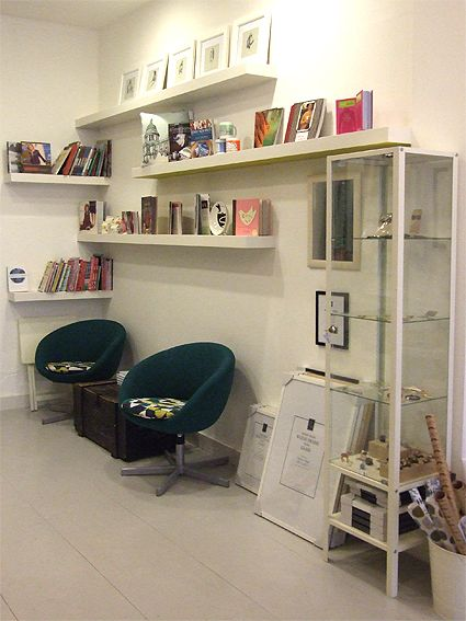 Of Cabbages & Kings / Knit with attitude  Our new shop! - Seating & Books