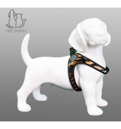 Tre Ponti Fibbia Fashion Hondentuig Tijger - Tre Ponti Fibbia hondentuigen zijn geschikt voor zeer kleine tot kleine honden. De Fibbia hondentuigen zijn ontwikkeld voor zeer kleine tot kleine hondenrassen. Deze hondvriendelijke tuigjes kantelen niet en geven nergens negatieve druk. De doordachte pasvorm zorgt voor een uitzonderlijk draagcomfort, waarin elke hond zich prettig zal voelen.