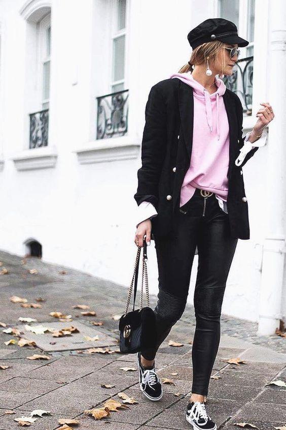 Hoodie + blazer + skinny leather trousers + Gucci belt + puma sneakers + newsboy cap