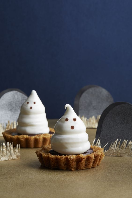Meringue Ghost Tartlets - CountryLiving.com