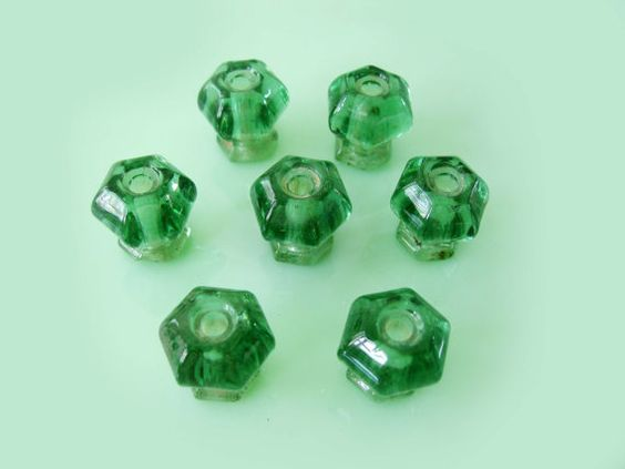vintage glass: Glass Knobs, Glass Sigh, Antique Glass, Emerald, Original Vintage, Glass Obsession, Depression Glass