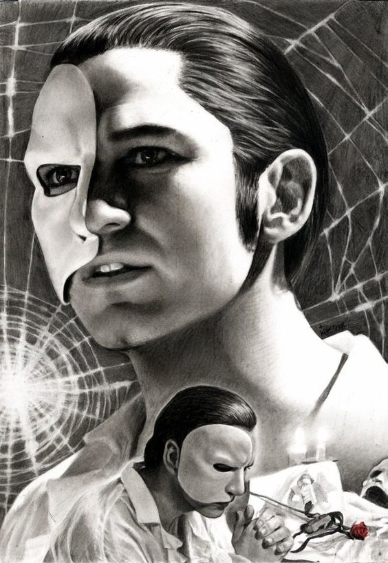 Gerard Butler.....wow this is the best phan art ive seen of the phantom!!!