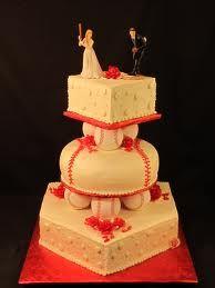 baseball wedding cake ideas - I love hoe the base looks like home plate!