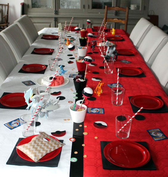 F tes rouge and tables blanches on pinterest for Decoration 18 ans garcon