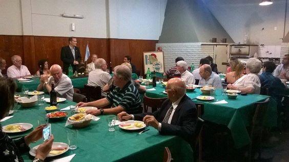 El jueves 17 de diciembre se llevó a cabo en las instalaciones del Club Social de Dolores la cena de fin de año del Club Argentino de Servicio 2 de Abril con la presencia de socios, familiares y representantes del CAS intermedio de la institución.
