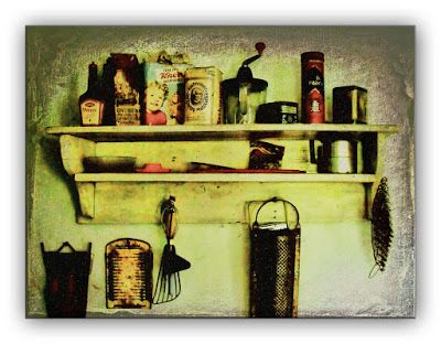 Oldrobel's Fotoreise: Culinary shelve in a very old house
