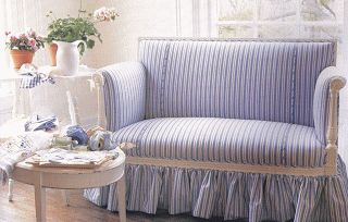 LilyOake: In Love with Blue & White Stripes!