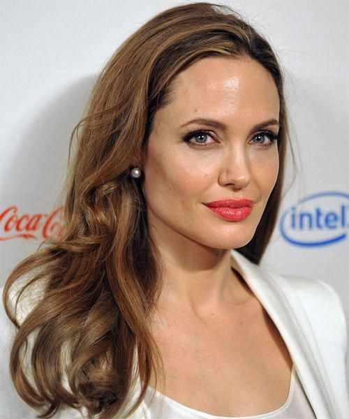 Angelina Jolie Long Wavy Hairstyle Medium Brunette Caramel Side View Mediumwavyhairstyles Brunette Hair Color Blonde Highlights Angelina Jolie Hair