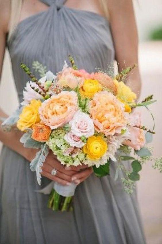Pretty floral arrangement/colours