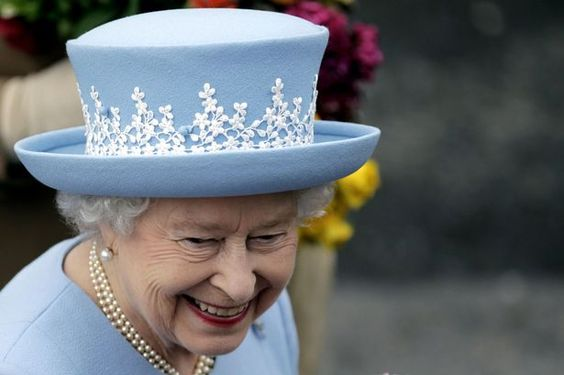 Hats off to The Queen, she's way ahead of the trends...