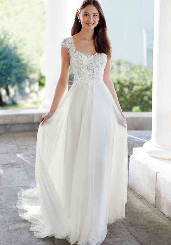 Wedding Dress Out Of Adore By Justin Alexander 11131 In 2020 Wedding Dresses Floral Lace Wedding Dress Affordable Wedding Dresses