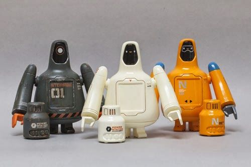 TOYSREVIL: U-23 - A 'Freeman Robotics' Release by Chris Lee (...