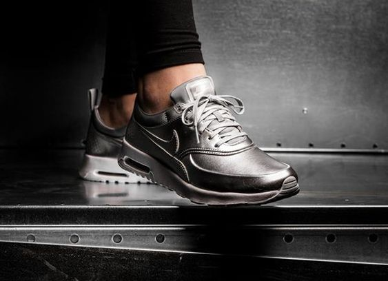 Nike Air Max Thea Silber Metallic
