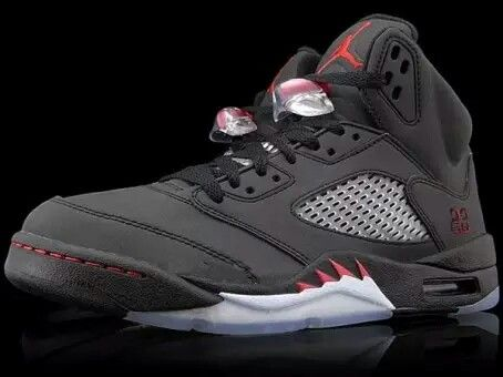 136027 061 Nike Air Jordan 5 V 'Raging Bull'Defining Moments Package II  Black/Varsity