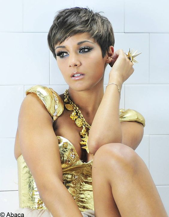 La coupe tomboy de Frankie Sandford - 30 stars optent pour les cheveux courts - Elle