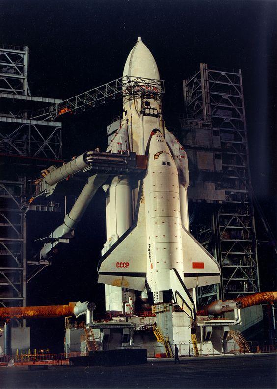 navette spatiale russe buran pas de tir decollage 07 Buran, la navette spatiale Russe  technologie photo histoire featured