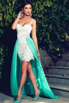 Contrast Long Train Accent Lace Appliqued Her Evening Dress