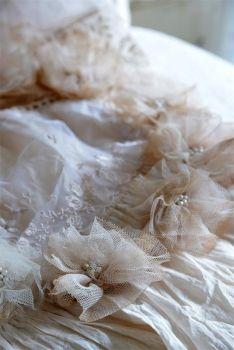 Die FEENSCHEUNE - Vintage Wedding Kranz Brautkranz Tüllkranz Perlen Patina - colour taupe
