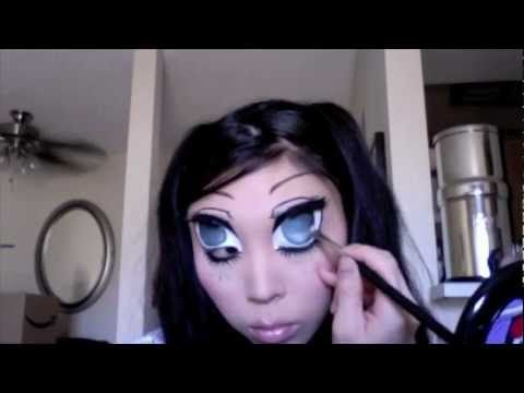 Anime eyes.....freaked me out! I want to do this sometime.