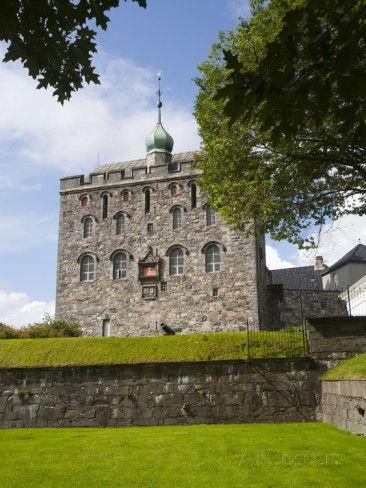 Rosenkrantztarnet Tower, Bryggen, UNESCO World Heritage Site, Bergen, Hordaland, Norway Lámina fotográfica por Marco Cristofori en AllPosters.es