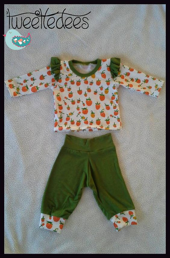 Check out this item in my Etsy shop https://www.etsy.com/listing/224858625/darling-baby-girl-0-3-month-outfit