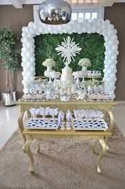 Resultado de imagem para decoração de batizados branco e dourado