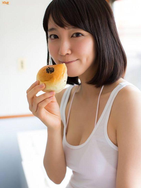 Gravure 48 - Model : Yoshioka Riho (1993) Gravure Idol, Actress...