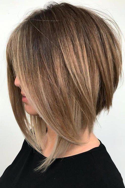 Angled Lob Haircuts That Prove Blunt Isn T Always Better Razored Bob Mediumbob Angle Coupe De Cheveux Style De Coupe De Cheveux Meches De Cheveux Colorees