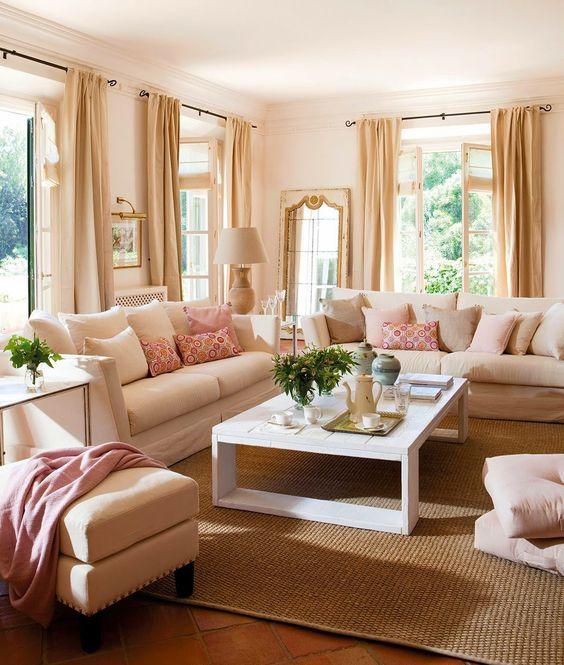 Adorei! Ambiente super iluminado e arejado! Super show a disposição da janela! Ótimas cores!