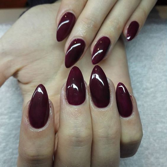 That Wine Color Looks Great On Those Almond Shaped Nails Almond Acrylic Nails Designs Burgundy Nails Nails Design With Rhinestones