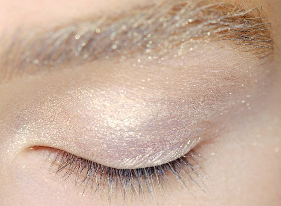 lamorbidezza:  Makeup at Maxmara Spring 2011
