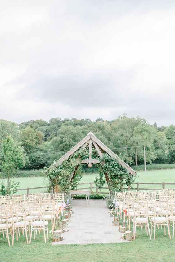 The Arbor @ Hyde House & Barn |UK Wedding | Outdoor Wedding Venue | Summer Wedding | Outdoor Ceremony | Countryside Wedding | Cotswold Wedding | Barn Wedding | Wedding Ideas | Image: White Stag Photography