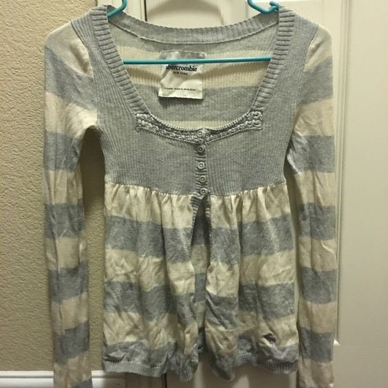 Sweater Great used conditions. XL in kid size. Abercrombie & Fitch Sweaters Cardigans