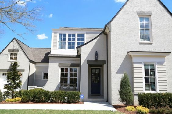 Sherwin Williams Body Of The Home Is Amazing Gray Sw 7044