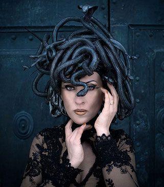 Schlangenkopfschmuck, Headpiece, Kreation, Karneval, Frauen Pierre, Leszczyk, Empireart, Couture, Mode, Photograph, Fotograf, Kunst
