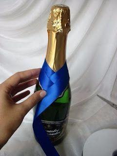 Aprende cómo decorar botellas de vino con listones paso a paso ~ Mimundomanual